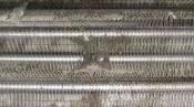 クリーニング前の熱交換器 壁掛形エアコン