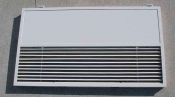 クリーニング前のパネル 大阪の天井ビルトイン形エアコン