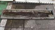 クリーニング前のドレンパン 天井吊下形エアコン