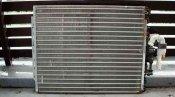 クリーニング前の熱交換器 神戸の床置形エアコン